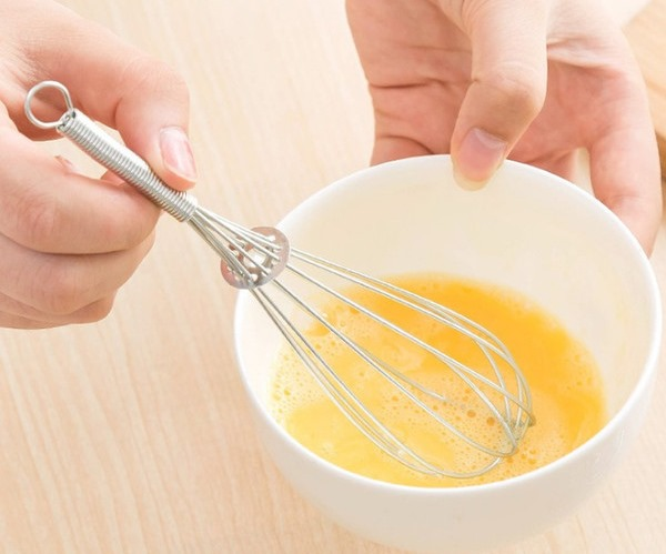 Оладьи из прокисшего молока. Как приготовить пышные, тонкие и вкусные. Фото