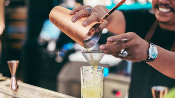 Коктейль Пина Колада. Рецепт, состав, сколько градусов классический безалкогольный, алкогольный