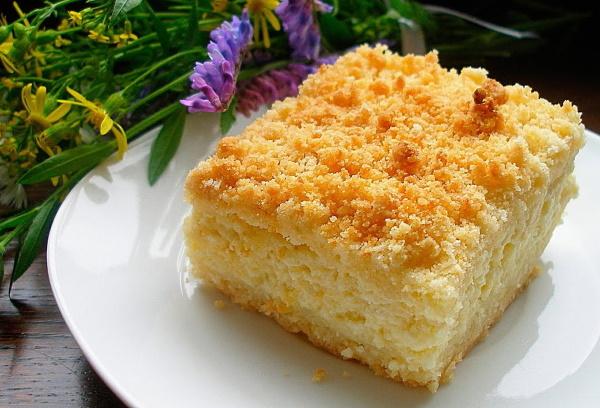 Пирог сметанник. Рецепт классический с ягодами, творогом, яблоками, курицей и грибами в духовке пошагово