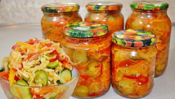 Салаты с огурцами и помидорами на зиму. Рецепты без стерилизации с перцем, луком, капустой