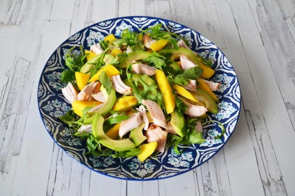 Салаты с авокадо. Рецепты приготовления с креветками, тунцом, курицей