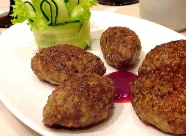 Кеббе. Рецепт на мясорубке с грибами, сыром, кускусом, булгуром, картошкой, пшеничной крупой