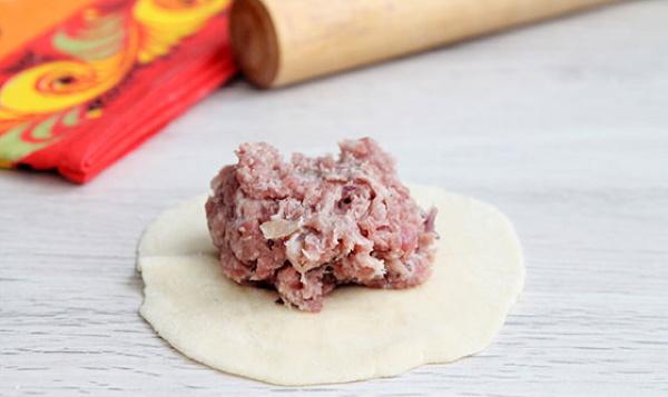 Манты с картошкой и фаршем. Рецепты в мультиварке, духовке, пароварке с тыквой, кабачками, луком, зеленью