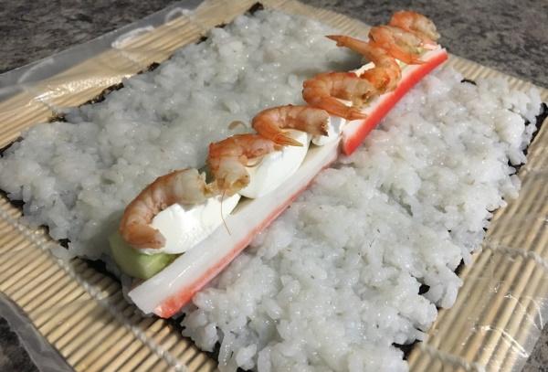 Начинка для суши в домашних условиях. Рецепты из крабовых палочек, авокадо, консервов, рыбы