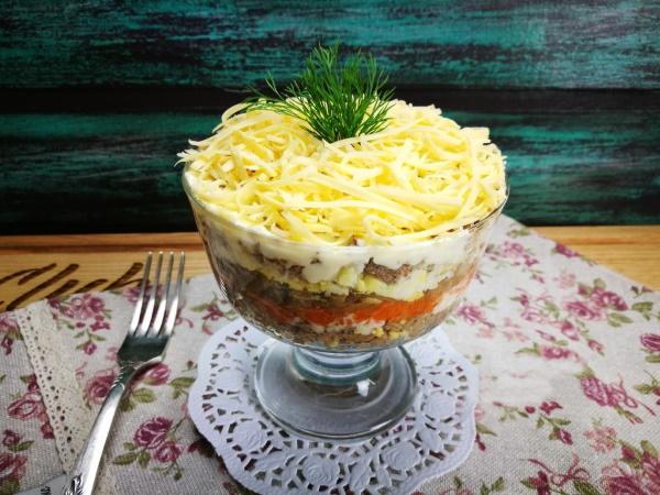 Салат из печени свиной. Рецепты с огурцом, морковью, луком, грибами, морковкой
