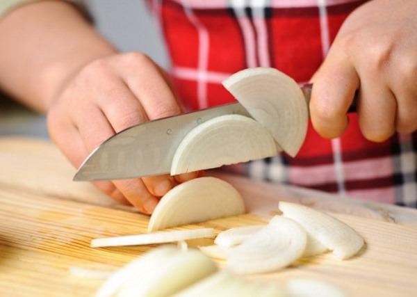 Салат Клязьма. Рецепт классический с редькой, курицей, колбасой, говядиной, грибами, свининой
