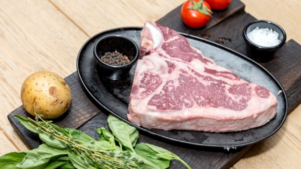 Стейки из говядины в духовке. Рецепты в фольге, рукаве, время приготовления