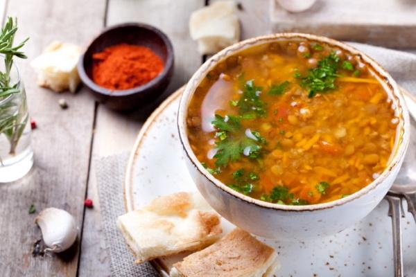 Суп из чечевицы с курицей. Рецепт в мультиварке, кастрюле с помидорами, грибами, картошкой, овощами, сельдереем