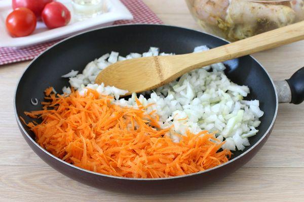 Суп из сайры консервированной. Рецепт классический, с рисом, картошкой, пшеном, яйцом, перловкой пошагово