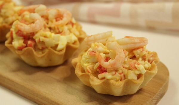 Тарталетки с креветками. Рецепты с творожным сыром, авокадо, икрой, крабовыми палочками
