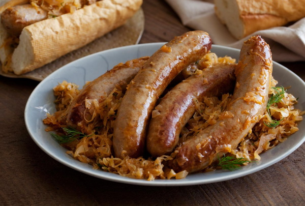 Тушеная квашеная капуста. Рецепты классические по-немецки, чешски, баварски с мясом, сосисками