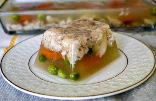 Заливная рыба. Рецепт приготовления с желатином, агар-агаром и без из сома, судака, горбуши, трески. Пошагово