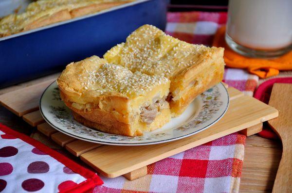Заливной пирог с курицей на кефире, сметане, майонезе. Рецепты