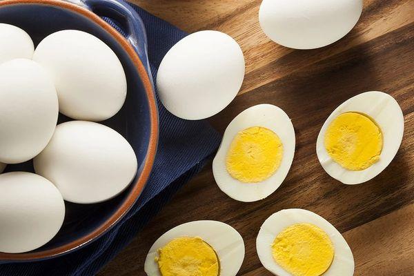 Фаршированные яйца. Рецепты простые на праздничный стол с печенью трески, грибами, крабовыми палочками, сыром, чесноком, майонезом