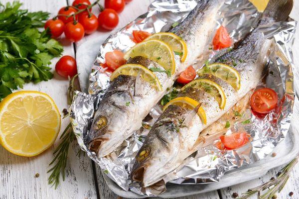 Кефаль. Как лучше приготовить в фольге в духовке, мультиварке, фаршированная, соленая с овощами, картошкой, рисом, лимоном, луком, сыром