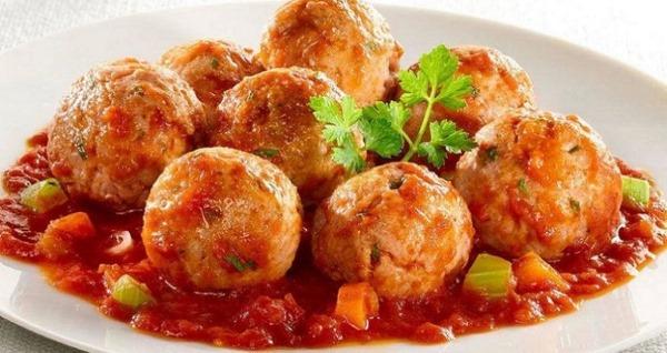 Котлеты с подливкой в духовке. Рецепт пошаговый, сочные рыбные, мясные из фарша в томатном, сметанном, сливочном соусе