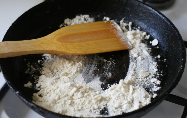 Курица с грибами в духовке. Рецепт под сыром, шубой, майонезом, соусом в рукаве, горшочках, фольге, пакете для запекания