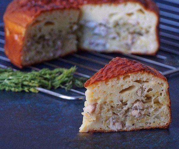 Начинка для заливного пирога на кефире, сметане из рыбных консервов, курицы, картошки, фарша, капусты, грибов