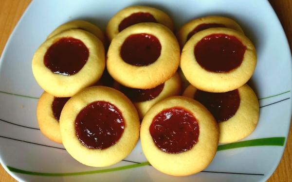 Печенье из рассола огуречного, помидорного, мягкое с манкой, вареньем, овсяными хлопьями, начинкой