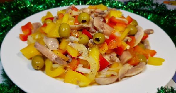 Салаты без варки продуктов с корейской морковью, копченой курицей, колбасой, фасолью. Рецепты с фото