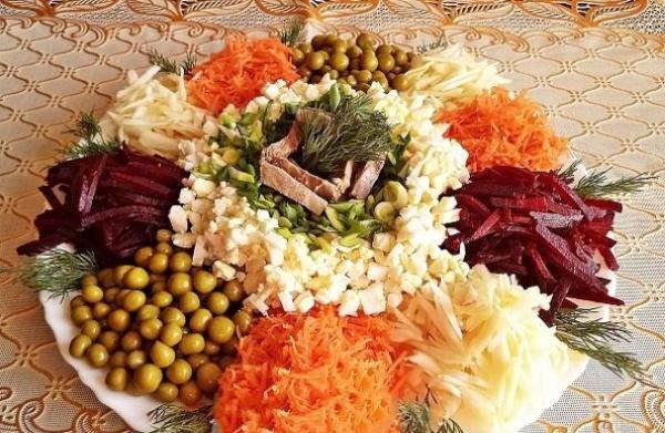 Салат Ералаш. Рецепты классические с корейской морковью, картошкой фри, чипсами, свеклой, мясом