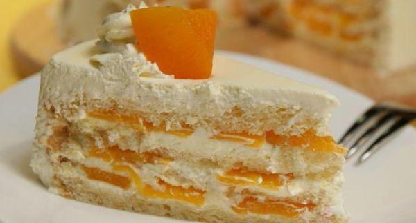 Торт с персиками консервированными, свежими. Рецепт с творожным, сметанным кремом, сливками, клубничным муссом