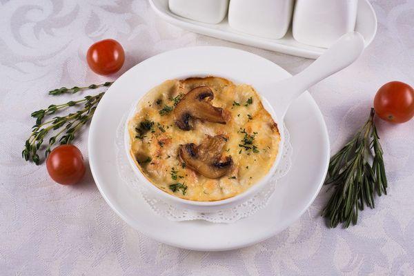 Жюльен из грибов и курицы. Классический рецепт в тарталетках, горшочках, в мультиварке, духовке
