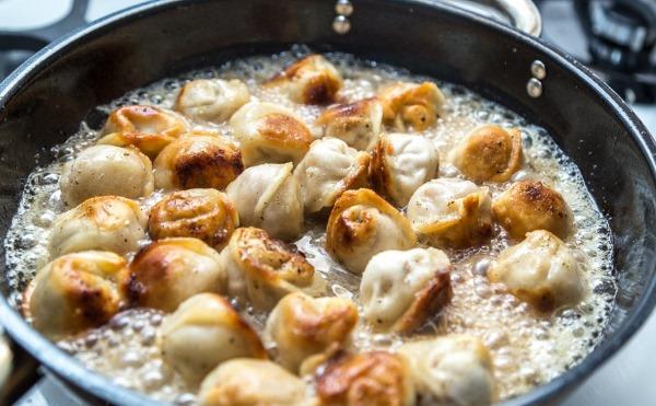 Блюда из пельменей. Рецепты простые, вкусные в духовке, мультиварке, на сковороде