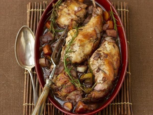 Филе кролика. Рецепты приготовления в мультиварке, духовке, на сковороде в сметане, сливках, кефире, кляре, вине