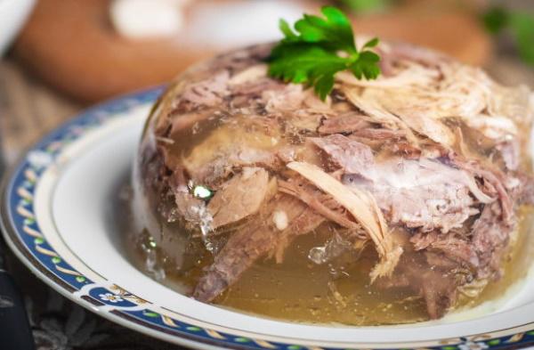 Холодец из говядины. Рецепт приготовления домашнего холодца с желатином и без, курицей, свиными ножками