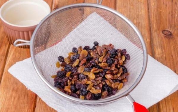 Королевский торт. Рецепт классический без муки с изюмом, маком, грецкими орехами, безе, творогом
