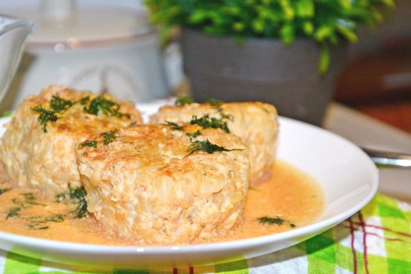 Котлеты куриные в сметанном соусе в духовке, мультиварке, на сковороде. Рецепты с фото