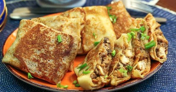 Начинка из курицы для блинов. Рецепт с грибами, сыром, картошкой, капустой, морковью, черносливом, чесноком