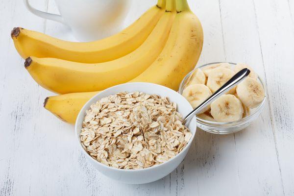 Печенье из бананов и овсяных хлопьев. Рецепты в духовке, микроволновке, мультиварке