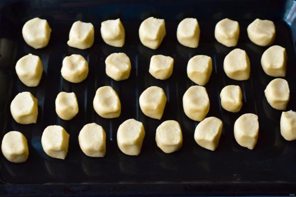 Печенье Тающий снег. Рецепты простые, без яиц, с начинкой