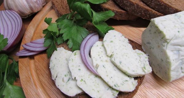 Перекрученное сало с чесноком. Рецепты по-украински, с зеленью, перцем, солью, орехом