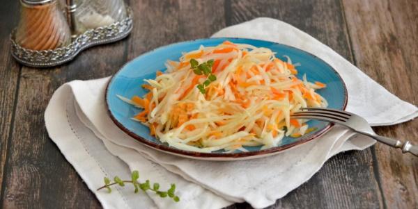 Салаты из моркови и капусты. Рецепт витаминный с уксусом, по-корейски