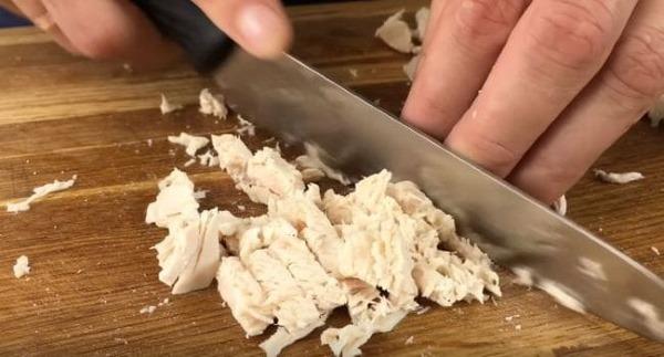Салат Красные маки. Рецепт с фото пошагово с курицей, грибами, печенью, черносливом, говядиной