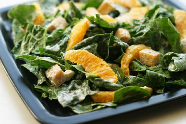 Салаты со шпинатом. Рецепты простые с курицей, помидорами, апельсином, авокадо