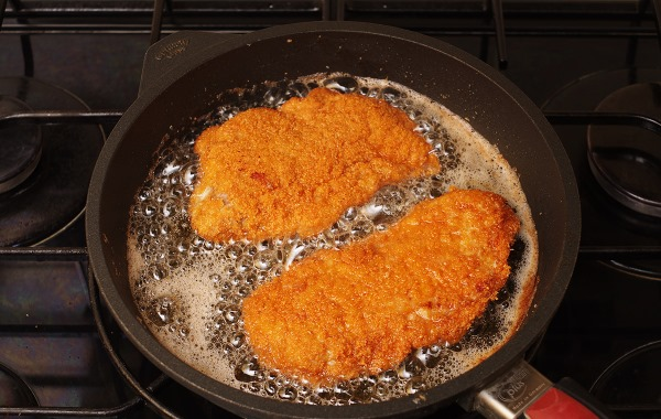 Шницель из индейки. Как готовить в духовке, на сковороде, рецепт, сколько жарить с сыром, картофелем, кабачком, начинкой