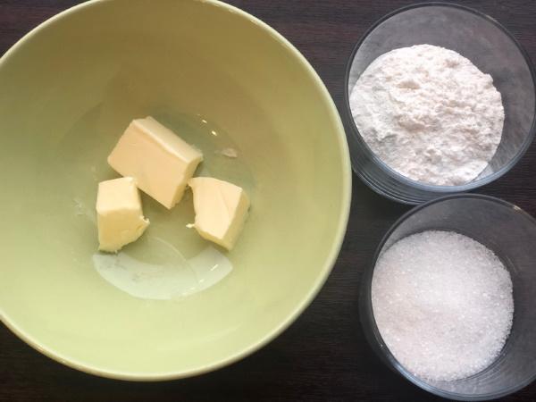 Штрейзельная крошка. Как приготовить, рецепт для булочек, пирога на растительном масле, маргарине, сметане