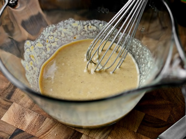 Соус Цезарь. Рецепт в домашних условиях классический, с анчоусами, вустерским соусом и без, каперсами, майонезом