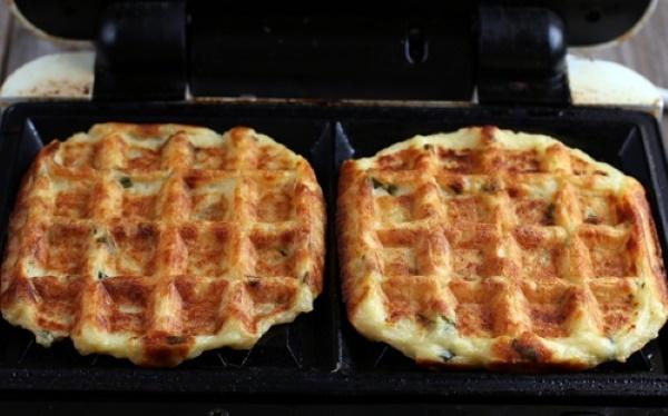 Тесто для вафель в вафельнице электрической, старой на газу. Рецепты из творога, кефира, сметаны