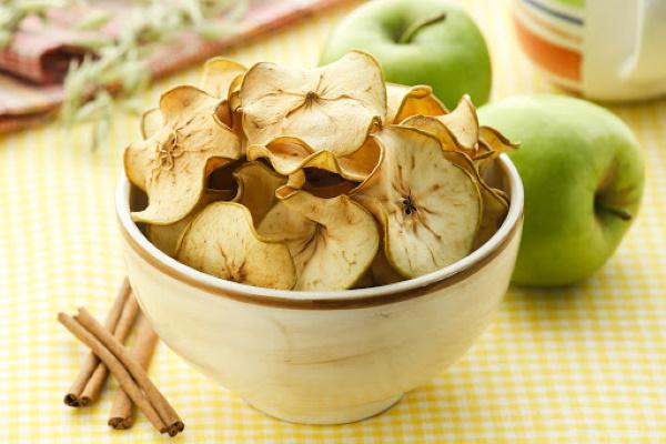 Яблочные чипсы в домашних условиях. Рецепты в духовке, сушилке, микроволновке