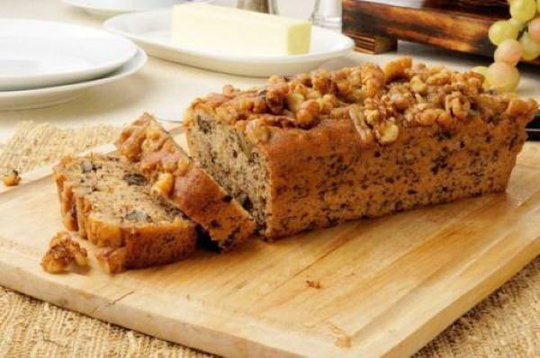 Банановый кекс в духовке. Рецепт с фото на кефире, сметане, растительном масле без яиц с какао, орехами, изюмом