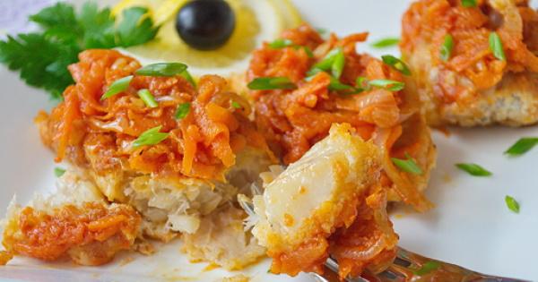 Как приготовить филе пангасиуса на сковороде, в духовке, мультиварке, кляре с морковью, луком, сметаной
