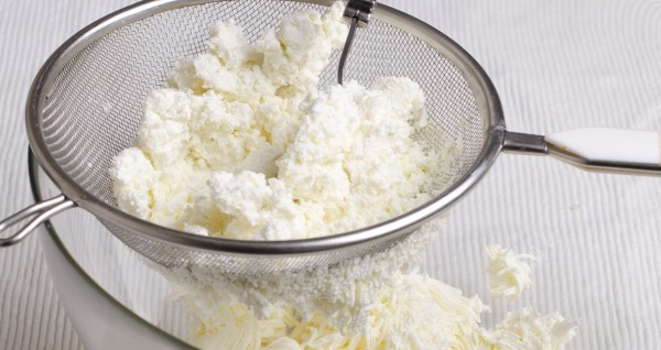 Гурьевская каша. Рецепт классический, что это такое, из какой крупы готовится, с гречкой, чипами, грибами, сливками, миндалем