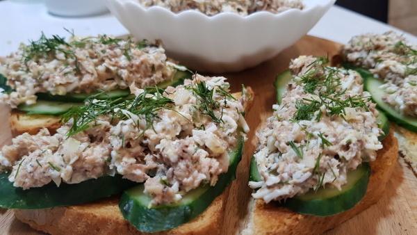 Намазки на бутерброды вкусные на завтрак, праздничный стол. Рецепты с фото