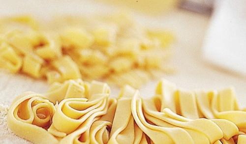 Паста Фетучини. Рецепт с лососем, семгой, морепродуктами, ветчиной