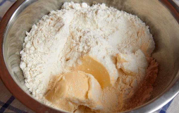 Пирог на майонезе. Рецепт сладкий, без начинки, яиц с вареньем, яблоками, ягодами, творогом, вишней